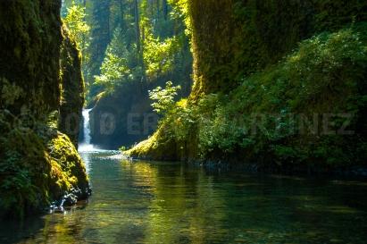 Punchbowl Falls, Oregon